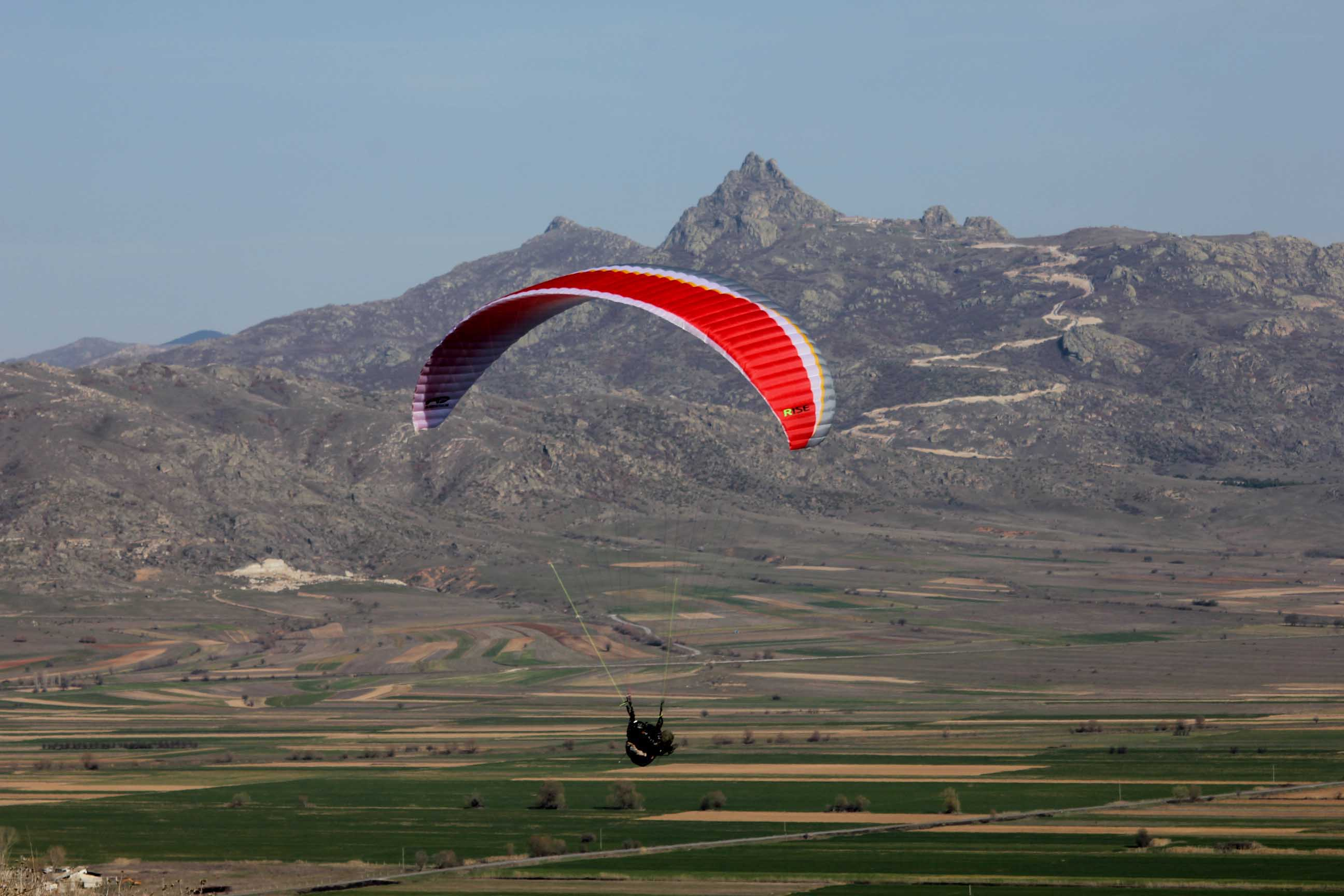 Adventure travel Macedonia - paragliding